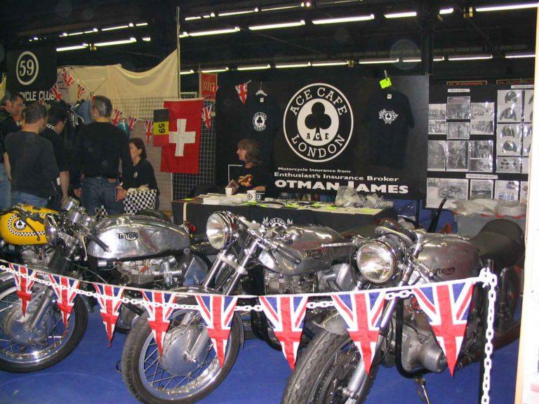 Moto Salon stand 59 avec Ace Cafe 2003