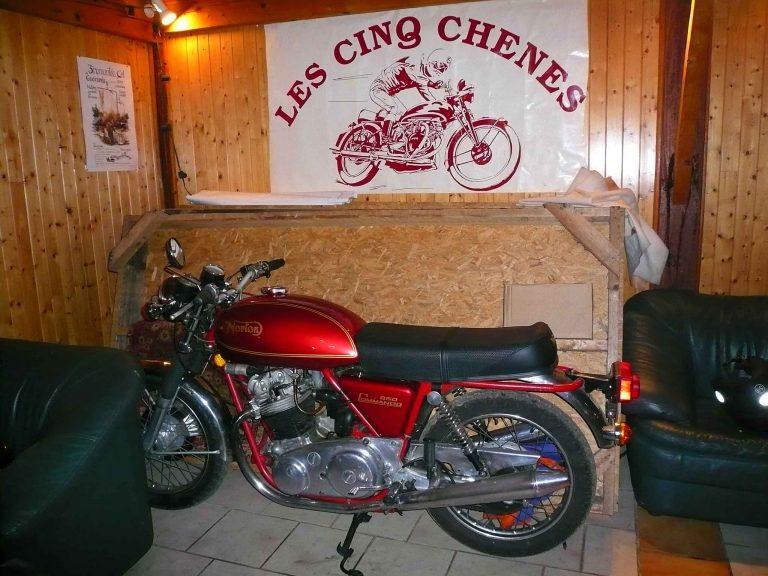 2010 Réunion du club en Dordogne la Norton du patron